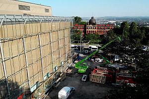 Une enveloppe de verre a été la solution retenue afin de préserver la structure du Grand Théâtre de Québec. Photo : Productions Ciné-Scène